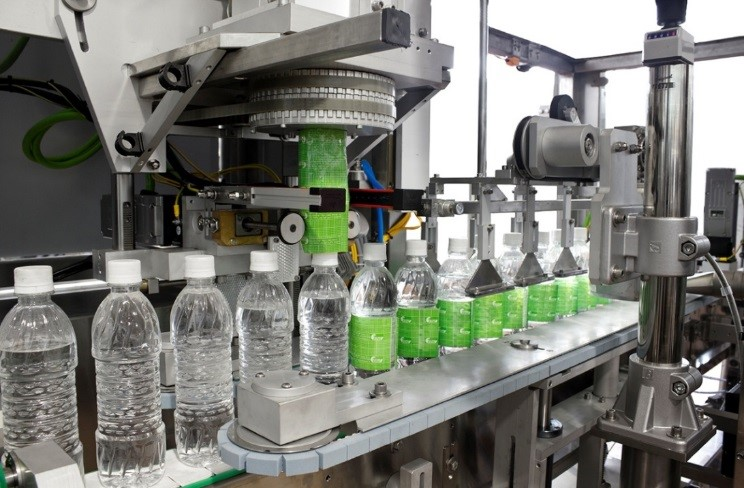 Finpac Water Bottle Sleeving on Machine dynamic type